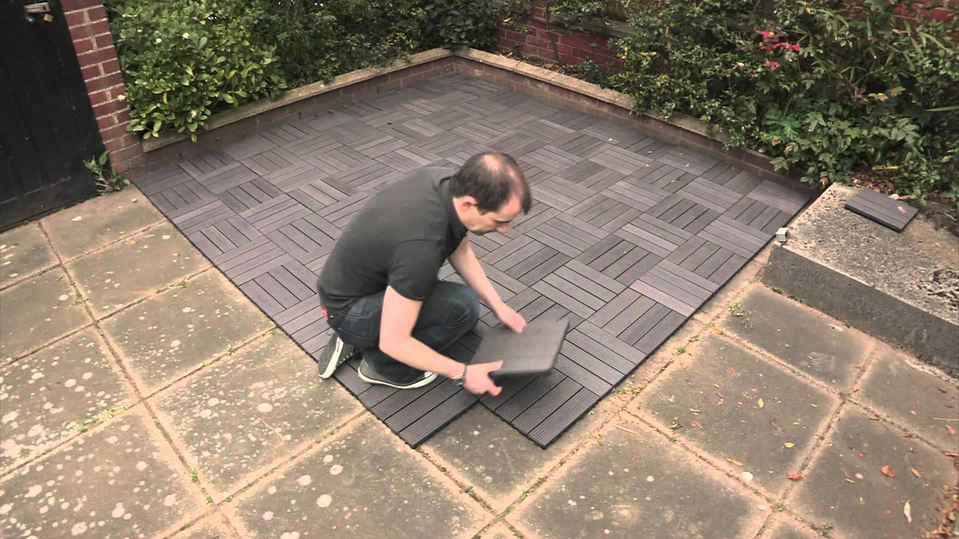 Các tấm sàn của rất dễ lắp đặt, không cần ốc vít hoặc keo, tính đàn hồi tạo cảm giác dễ chịu và êm ái nữa. Các tấm cao su chống nóng lạnh tốt, cách âm