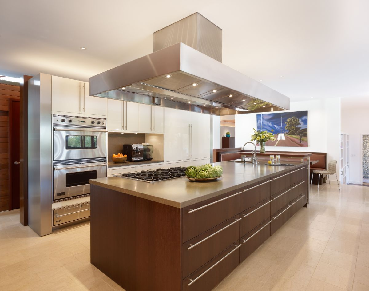 tầm quan trọng của không gian bếp ăn đến đời sống của con người và nhu cầu đầu tư, thiết kế, bảo trì không gian này sao cho tiện nghi và hiện đại nhất