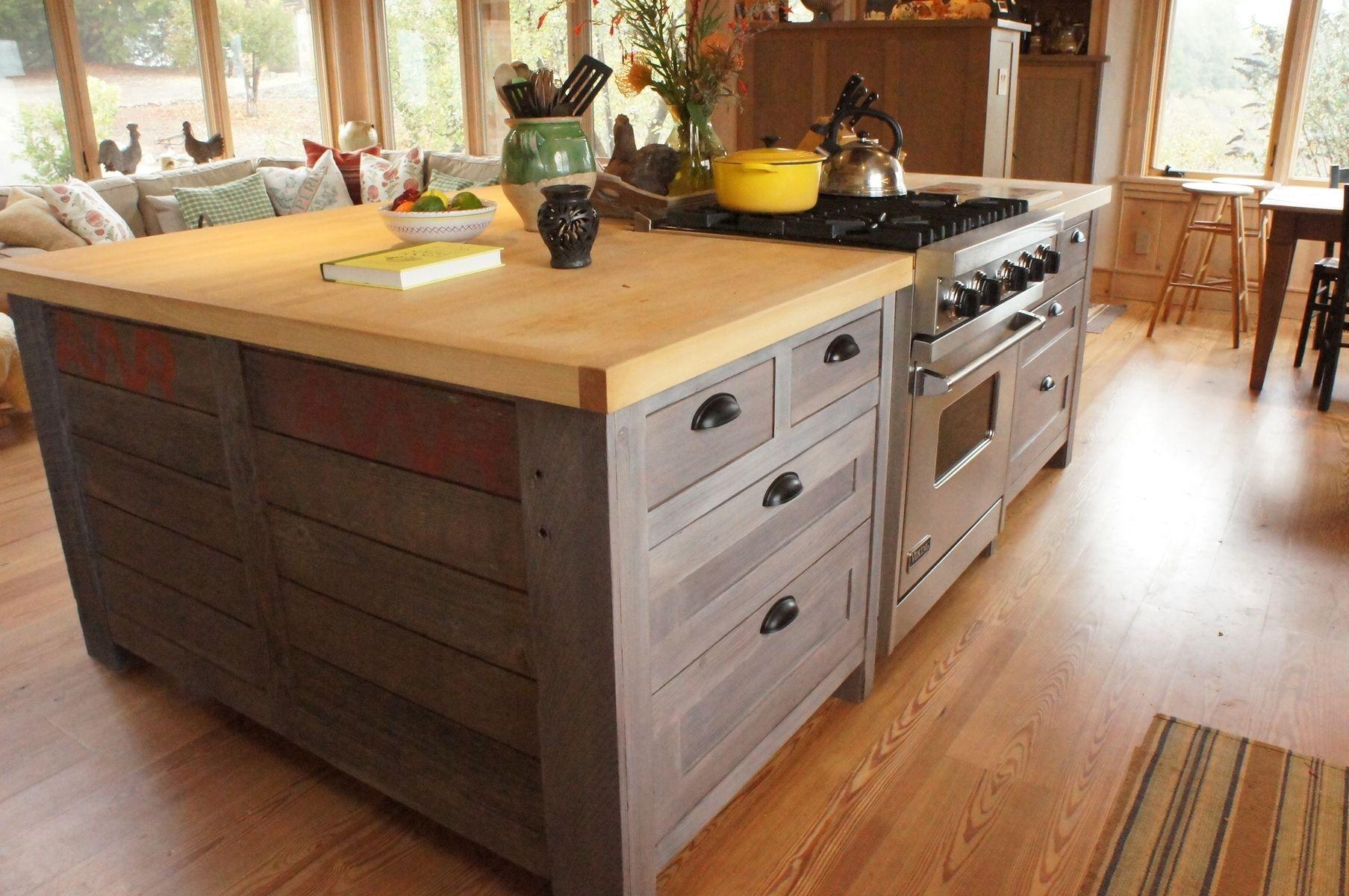 Gạch ốp vân gỗ mang phong cách thiết kế cổ điển đậm chất Rustic