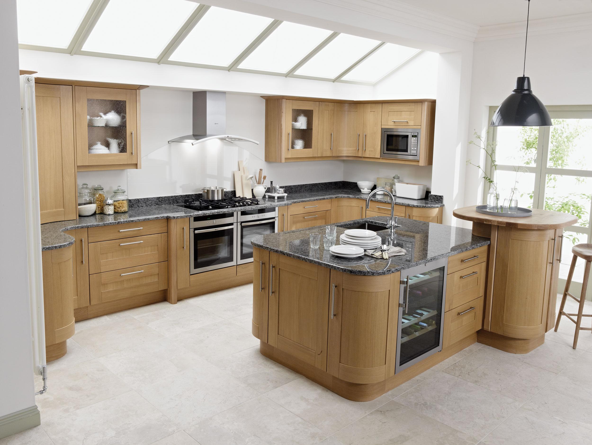 Chọn gạch cùng loại và tone màu cho đảo bếp và tường bếp