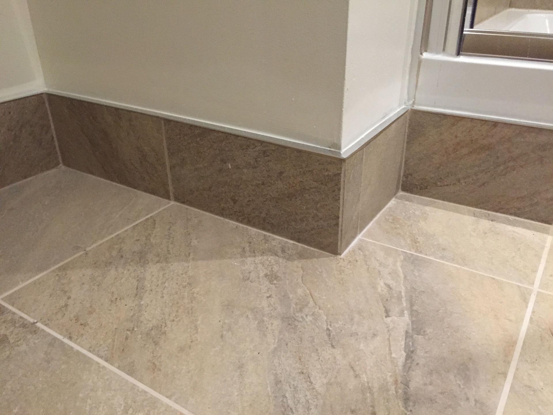 Gạch len dùng ốp sát chân tường phần tiếp xúc giữa nền và tường